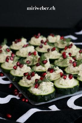 Schweizer Foodblog, Gurken mit Cashewnuts - Granatapfeltopping, Apero Rezept