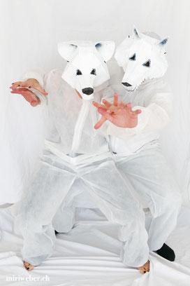 Wolfmaske, Eisbärmaske, Papiermache Maske, Kleister Maske, Wintercroft Maske, Maske selber machen, Maske basteln, Kreativblog Schweiz