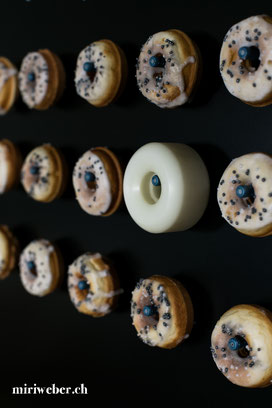 Donuts Wall, Donuts Wand, Mini Donuts, Donut Maker, Rezept, Dessert Buffet, DIY Donuts Wall, Donuts Wall einfach selber machen, Sweet Table, a donuts a day, all you need is love and maybe a donut, kreativ blog, schweiz, foodblog, blog, schweizer food blog
