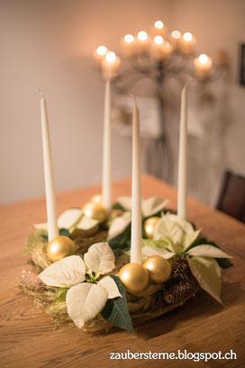 Adventkranz selber machen, Adventskranz mir frischen Blumen, Adventskranz mit Weihnachtssternen, Weihnachtsfloristik, Kreativblog Schweiz