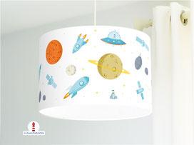 Lampe für Jungs und Kinderzimmer Weltall aus Baumwollstoff - alle Farben möglich