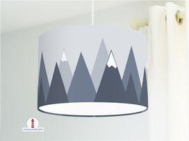 Lampe für Kinderzimmer und Jungs mit Bergen in dunklem Graublau aus Baumwolle