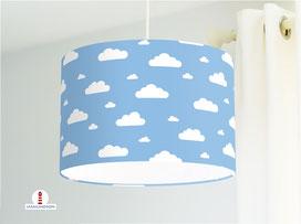 Lampenschirm für Kinderzimmer und Babys mit Wolken in Hellblau aus Baumwolle
