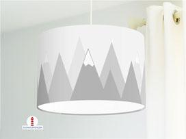 Kinderzimmer Lampe Berge in Grau aus Bio-Baumwollstoff - alle Farben möglich
