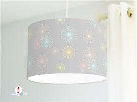 Lampe für Kinderzimmer mit Blumen in Pastellfarben aus Bio-Baumwolle - alle Farben möglich