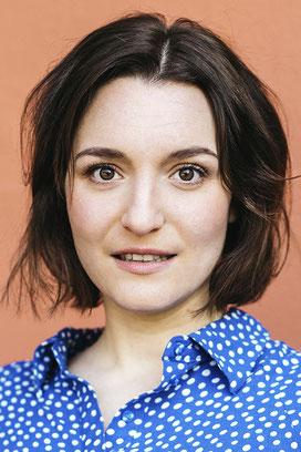 LÉONIE THOMS - Schauspielerin, Sängerin, Tänzerin