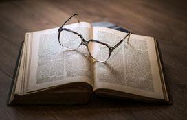 Buch, Ausbildung, Studium