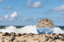 Ansichten, Einsichten_Glaskugel