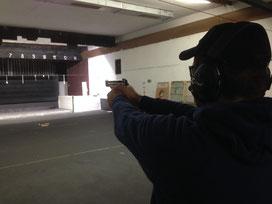 Achim testet seine neue Pistole Okt.2013 in Bochum