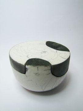 boite céramique raku noir et blanche