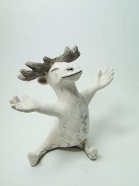 sculpture en céramique raku nu cerf accueillant