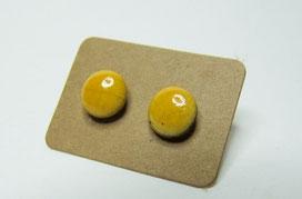 puces d'oreilles rondes et jaune céramique raku
