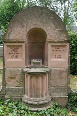 Grab auf dem jüdischen Friedhof in Bettenhausen