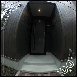 玄関①アプローチより↓360°画像によるバーチャル内覧はこちら。↓ANIMATO102号室
