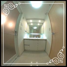 洗面台①↓360°画像によるバーチャル内覧はこちら。↓D'グラフォート札幌ステーションタワー1702号室
