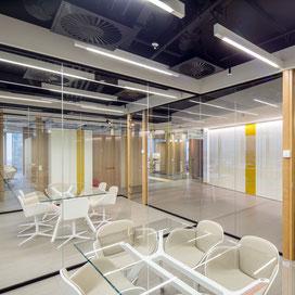 Progetti di interni e architettura per il settore direzionale e commerciale