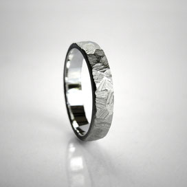 Ring silver effect, textured, hammered, crossed, rough, surface effect - Nelly Chemin