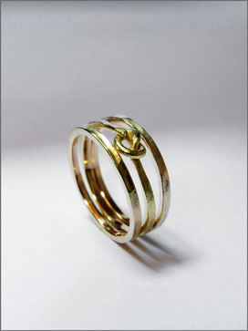 Wedding ring - Paul & Maud - hammered yellow gold - Nelly Chemin