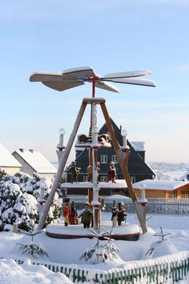 Bild: Wünschendorf Weihnachtspyramide 2010