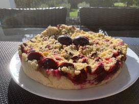 Pflaumenkuchen mit Hefeteig und Streuseln aus dem Dutch Oven