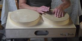 Instrumentenbauer Congas zum Umhängen