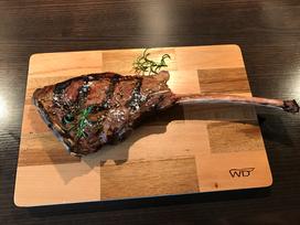 Tomahawk Steak im Weber Hack zubereitet