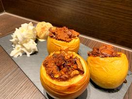 Bratäpfel mit Lebkuchen und Winterjägermeister aus dem Dutch Oven