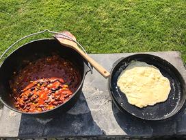 Indisches Naan Brot aus dem Dutch Oven