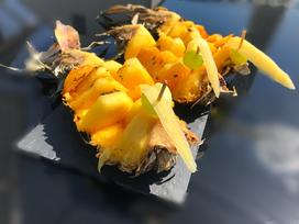 Ananas-Pfau mit süßer Rumglasur vom Grill