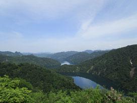 六十里越開道記念碑から見る田子倉湖。気分爽快!素晴らしい眺めでした(*´▽`*)