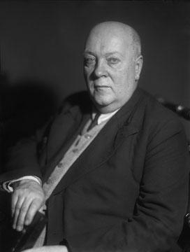 Александр Евгеньевич Ферсман (1883-1945), вице-президент Академии наук, русский геохимик и минералог, один из основоположников геохимии, «поэт камня»