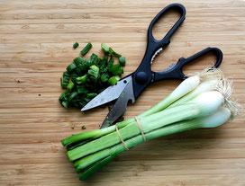 Küchenschere nicht nur zum schneiden gut. Tricks von Experten