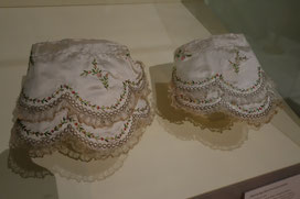 Engageants to a Robe à l'Anglaise, Bayrisches Landesmuseum, Germany. picture taken by Nina Möller