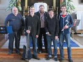 V.l.n.r.: Revierinspektor Alfred Friedl, Robin Gadermaier, Klaus Bergmaier, Phillip Schröter, Andreas Gallauner. Foto: zVg