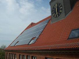 Die neue Solaranlage auf dem Dach der Oberschule