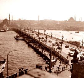 die Galatabrücke und das Panorama von Stambul