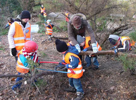 junge Waldarbeiter
