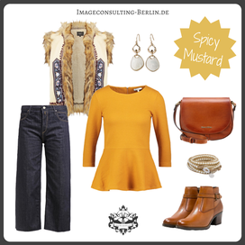 Outfit Trendfarbe Spicy Mustard für den Frühlingstypen