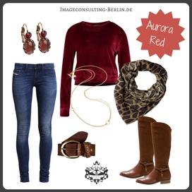 Outfit Trendfarbe Aurora Red für den Herbststypen