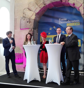 v. l. n. r. :  Volker Pietzsch, Ann-Kathrin Johann, Pascale Trimbach, Dr. Volker Wissing u. Prof. Dr. Henri N. Ménudier