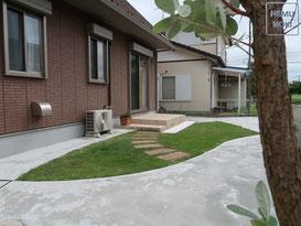 コンクリート舗装、高麗芝、固まる土舗装、物置、施工例