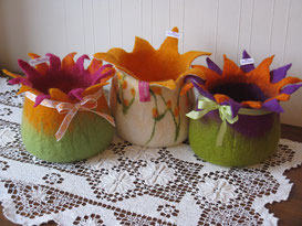 von li.: Frühlingstanz, Blütenspiel, Hibiskus