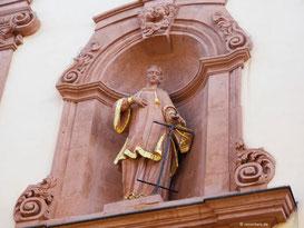 St. Laurentius, Außenfassade