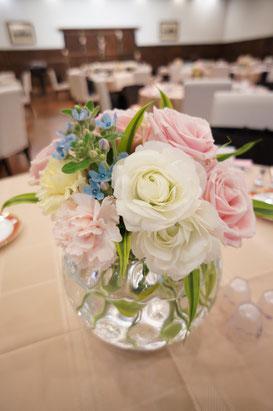 結婚式 ウェディング ゲストテーブル シュガーピンクで可愛らしく