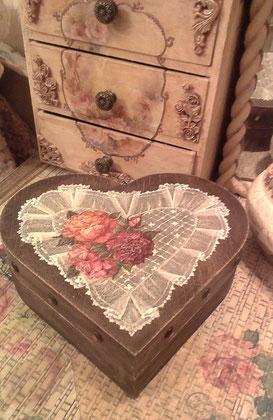 Шкатулки ручной работы, шебби шик,  декупаж, сердце, старинные шкатулки