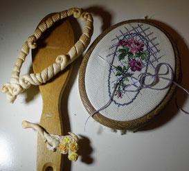 вышивка крестиком, шебби шик, щетка для волос, лепнина, пластик, мастер-класс,розы, кружево, дерево, обжиг