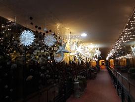 Im Hotel - ein weihnachtlich geschmückter Gang...
