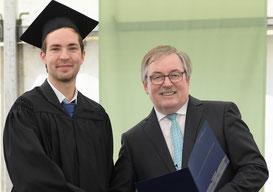 Jan Seibel und Prof. Dr. Truxius