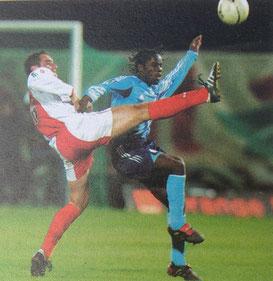 Rodrigo et Luyindula à la lutte.