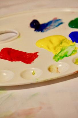 Palette mit Farben